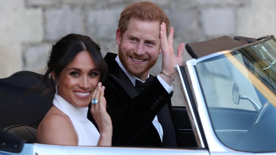 Le prince Harry et Meghan Markle dans une voiture
