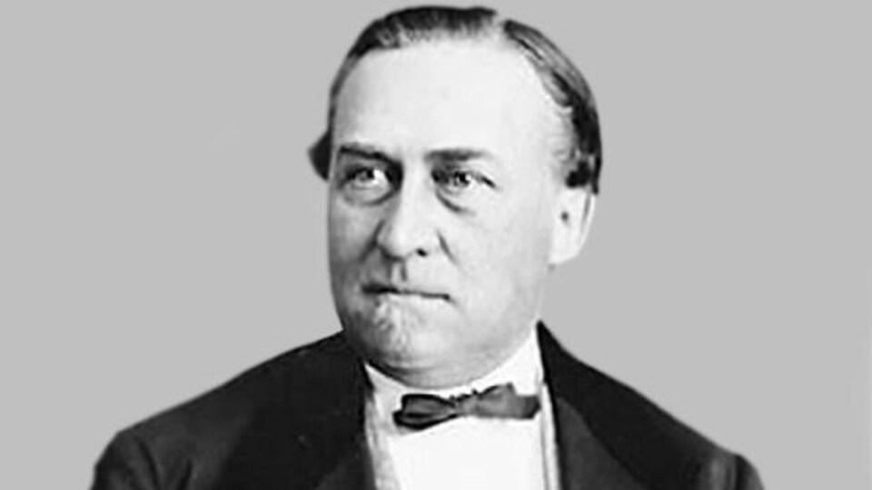 Hector-Louis Langevin, surintendant des Affaires indiennes dans le cabinet de John A. Macdonald.