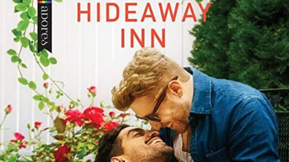 Couverture de livre représentant deux jeunes hommes qui s'apprêtent à s'embrasser