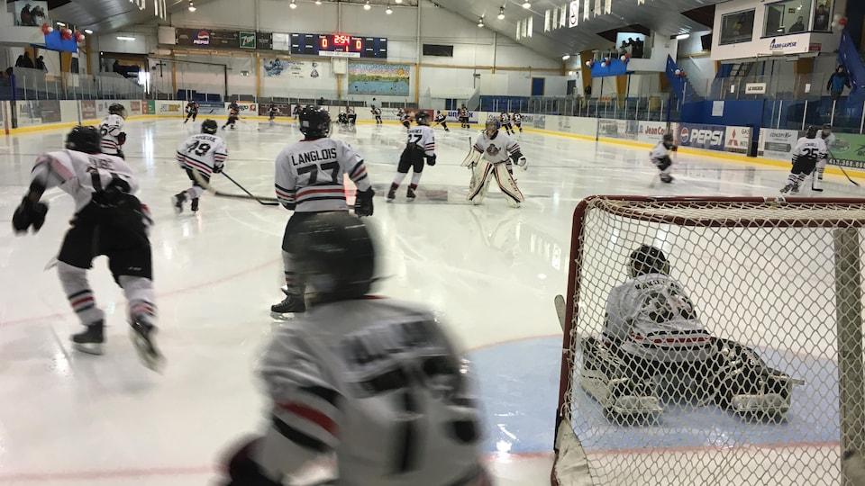 Jeunes hockeyeurs