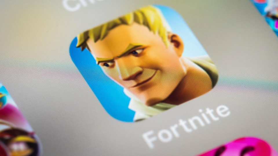 L'application Fortnite sur l'écran d'un iPhone.