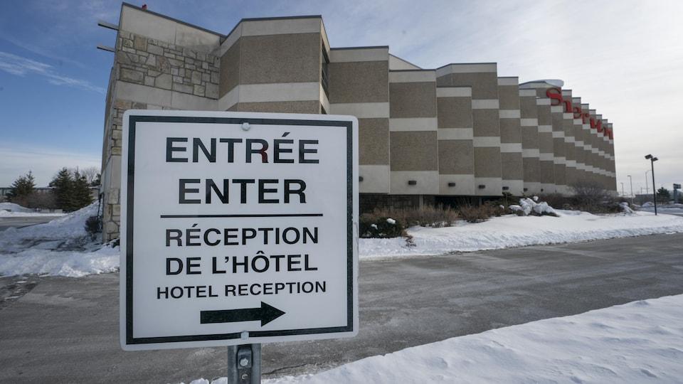 Un hôtel a proximité de l'aéroport.