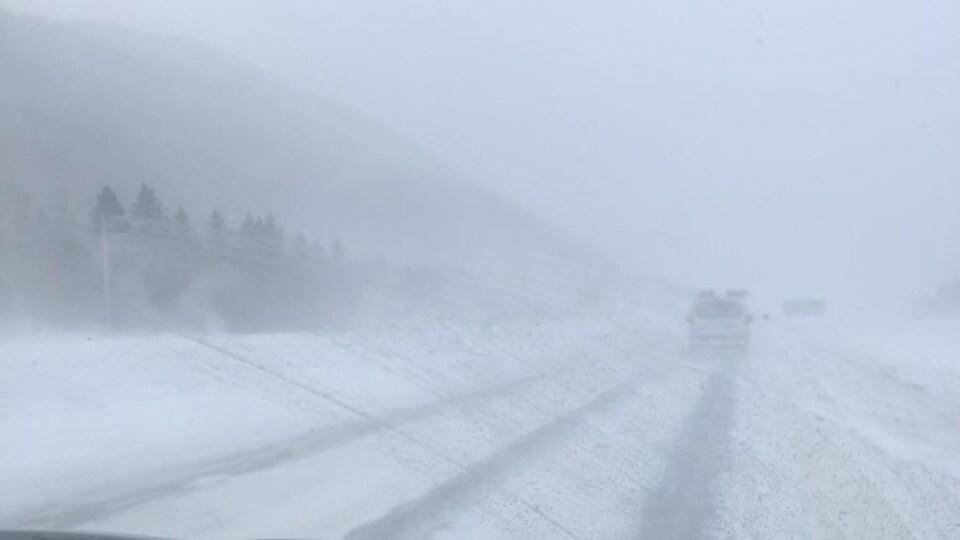 Une route très enneigée