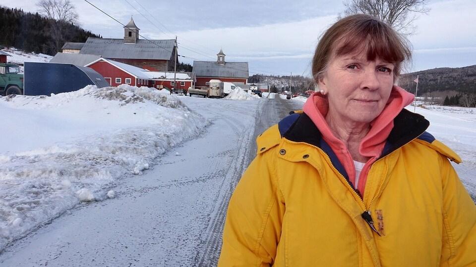 Cindy Lou Amey, productrice laitière à Pittsburgh, New Hampshire, près de la frontière canadienne.
