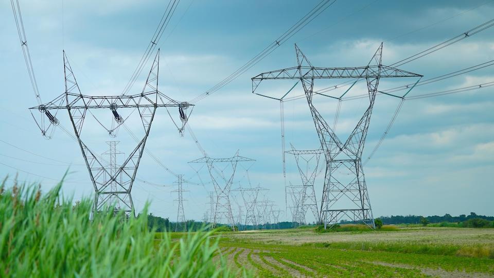 Pylônes d'Hydro-Québec