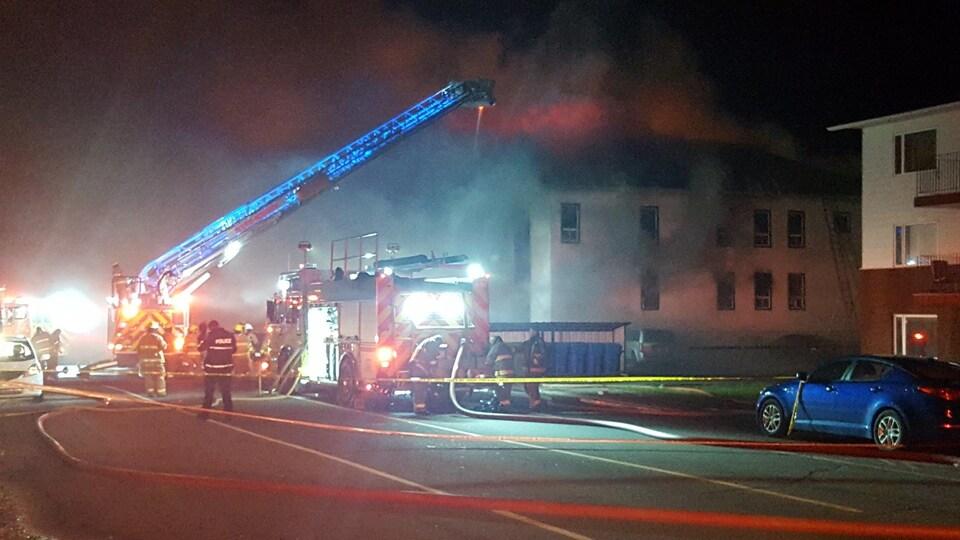 Incendie sur la rue Iberviille Est à Rouyn-Noranda