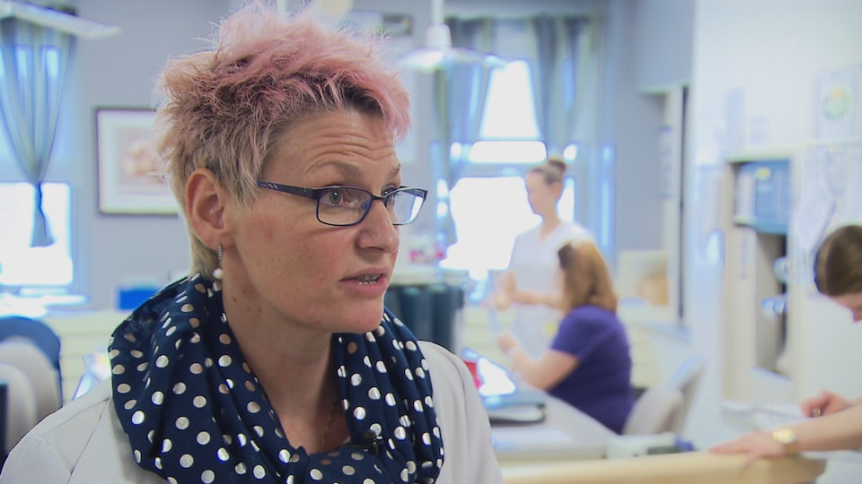 Nancy Drolet est infirmière au centre hospitalier régional de Rimouski.