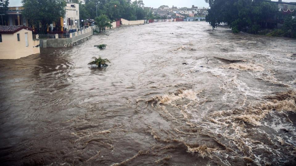 Une rivière en crue.
