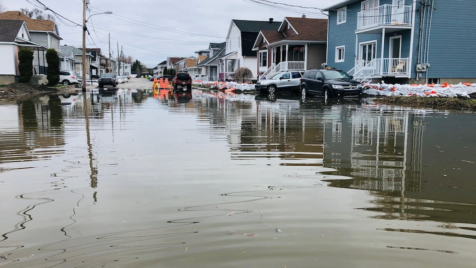 La rue Glaude inondée.