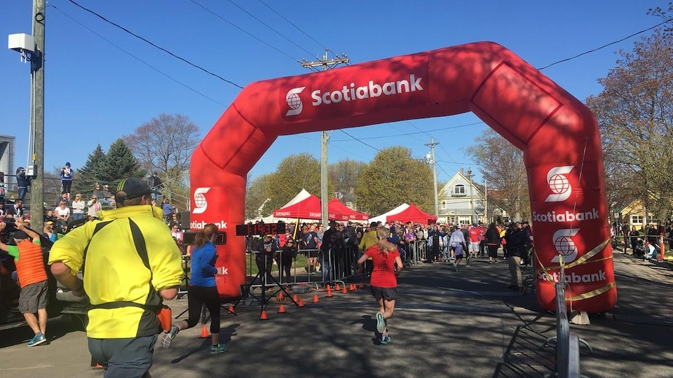 Des coureurs du marathon de Fredericton