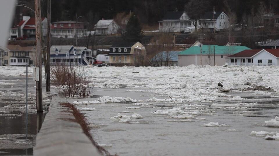 L'ampleur de l'inondation.