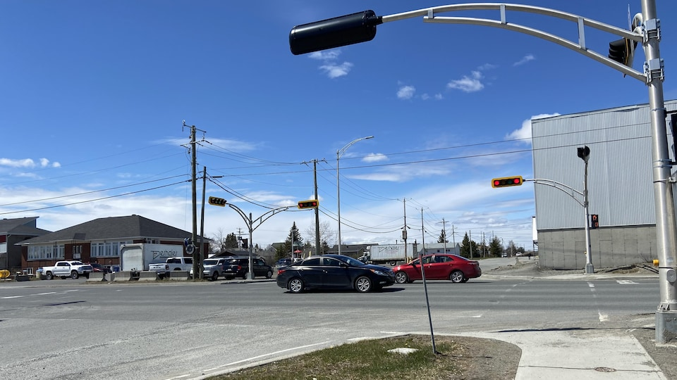 La traverse pour véhicules hors route serait située à l'intersection de la 6e Rue Ouest et de la 10e Avenue Ouest.