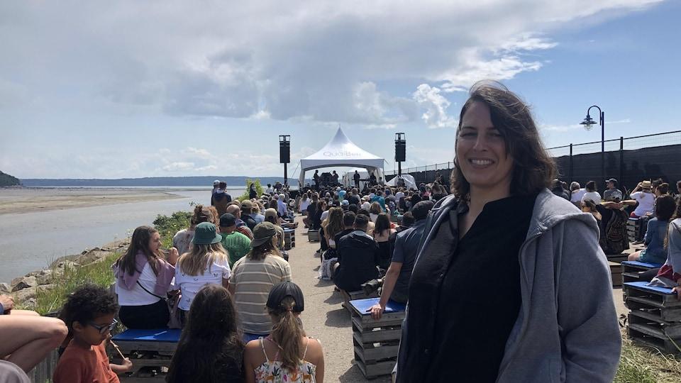 Isabelle Quenneville a pu assister à un spectacle du Festif! de Baie-Saint-Paul grâce au projet de l'Association des gens d'affaires