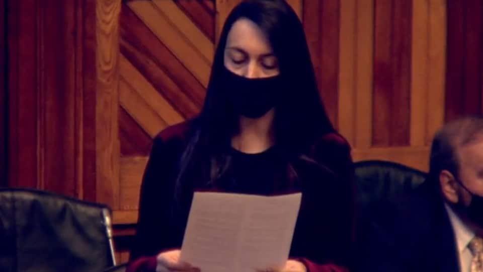 La députée Isabelle Thériault a présenté une motion demandant au gouvernement de financer les services d'avortement de la Clinique 554, le jeudi 17 décembre.
