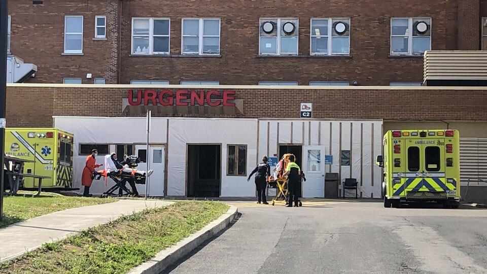 Le nombre de cas chez les employés a augmenté après un dépistage massif à l'IUCPQ.