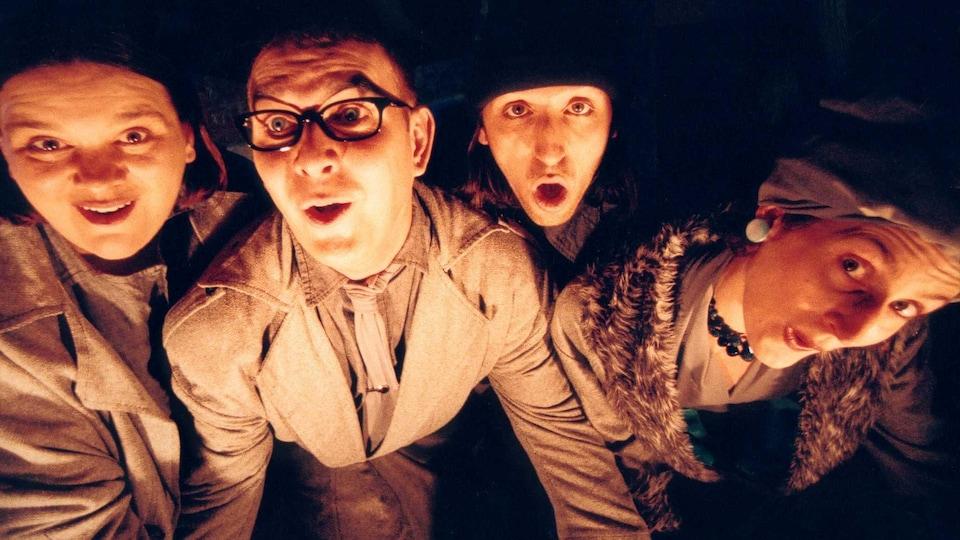 Les comédiens Marie-Thé Morin, Mario Gendron, Sasha Dominique et Marc-André Charette interprètent des personnages de la pièce « Jacques Brel toujours vivant ».