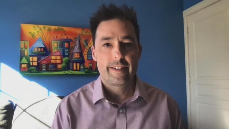 Jacques Richard, registraire du Collège des psychologues du Nouveau-Brunswick et professeur de psychologie à l'Université de Moncton, par webcam, le 22 mars 2021.