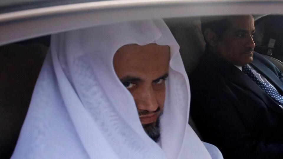 Gros plan du procureur général saoudien.