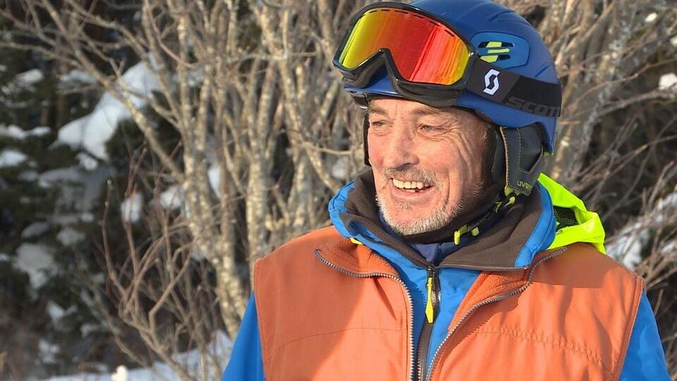 James Maidment en entrevue télévisée.