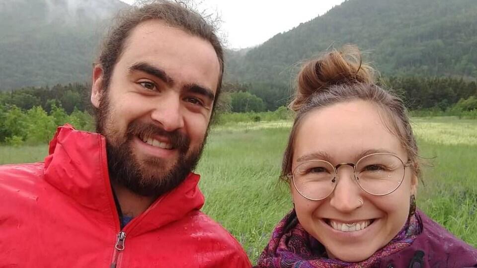 Les propriétaires Philippe Leclerc et Vicky Prévost des Jardins Taureau & Bélier, à Mont-Louis.