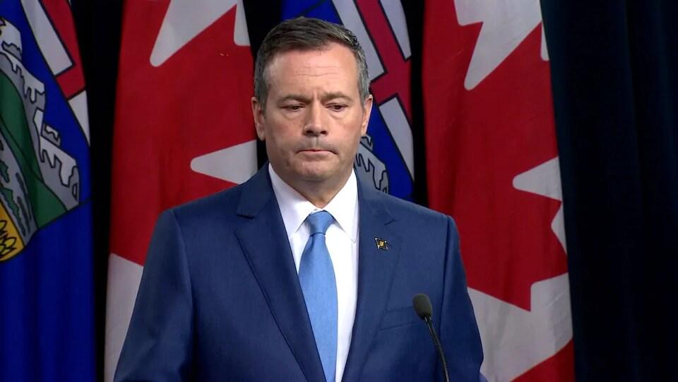 Le premier ministre de l'Alberta, Jason Kenney livre un discours.