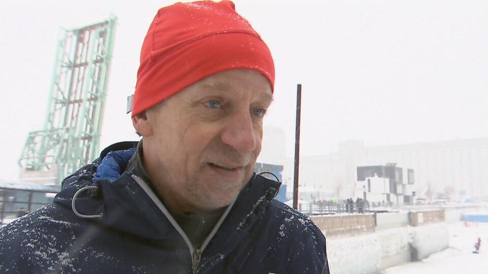 Le vétéran du canot à glace Jean Anderson