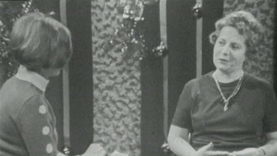 Jeanne Lapointe, interrogée sur la commission Bird par la journaliste Renée Larochelle en 1968.