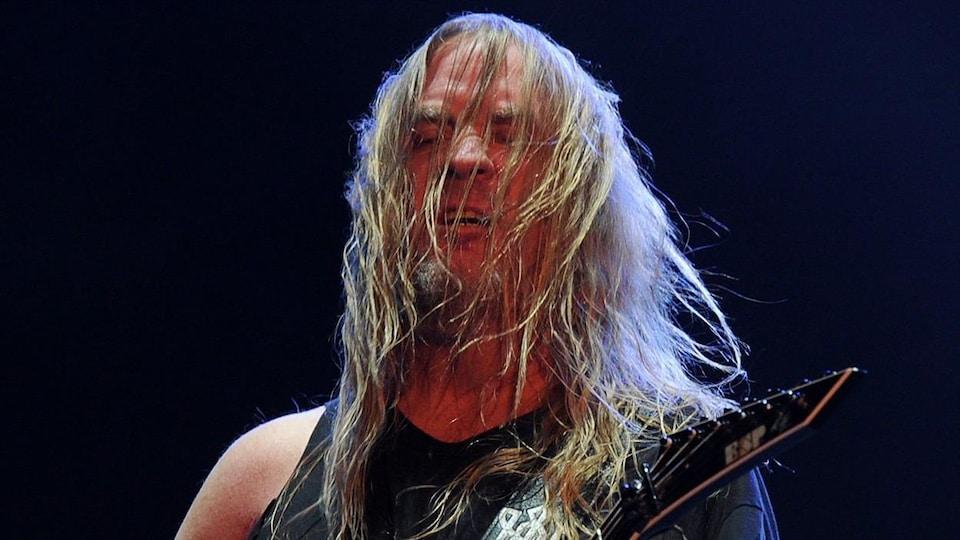 Le guitariste Jeff Hanneman.