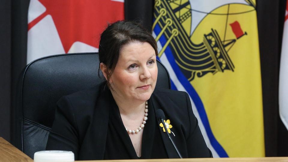 La médecin hygiéniste en chef du Nouveau-Brunswick, la Dre Jennifer Russell, lors d'un point de presse le 8 avril 2021.