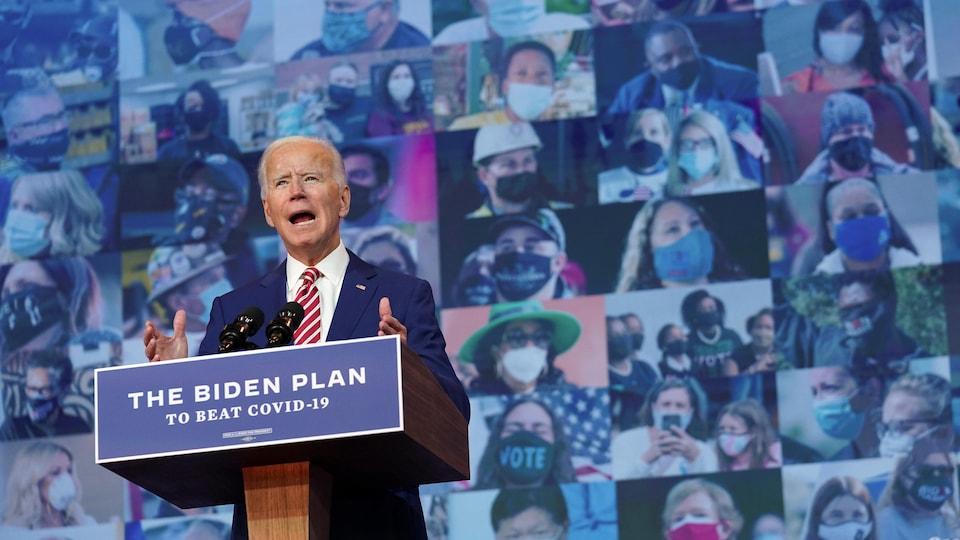 Joe Biden parle de son plan contre la COVID-19 à Wilmington, au Delaware.