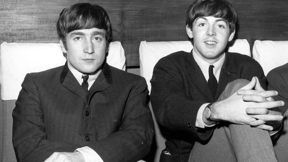 John Lennon et Paul McCartney en 1963