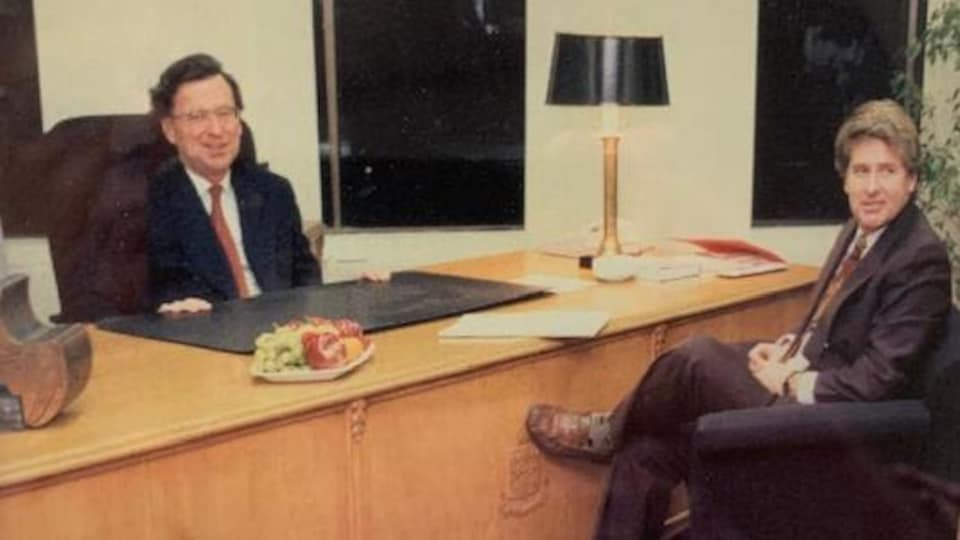 John Parisella au bureau du premier ministre du Québec, Robert Bourassa.