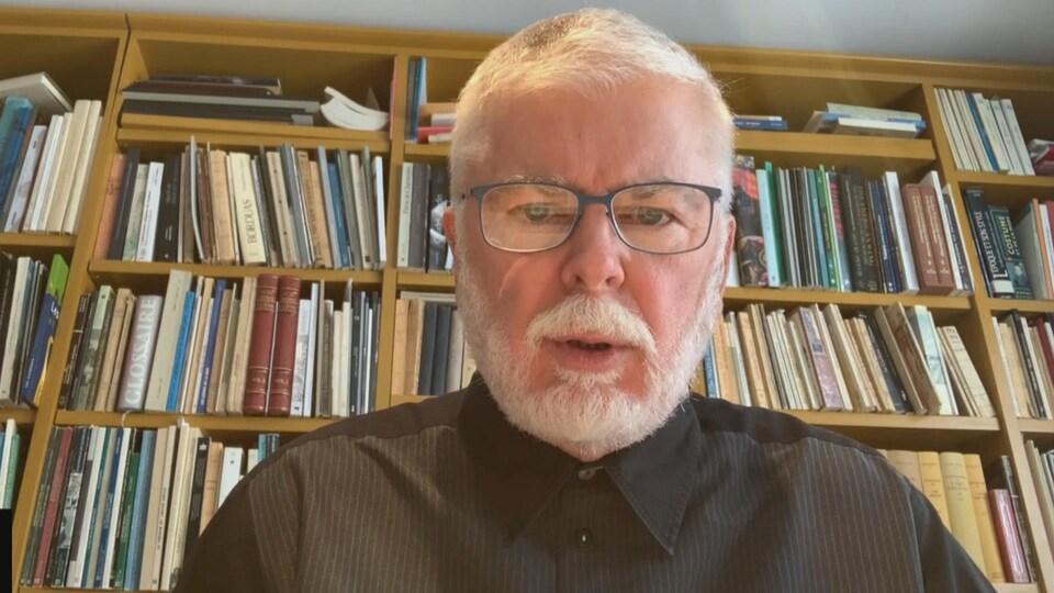 John R. Porter annonce que le Salon international du livre de Québec doit être reporté en raison des mesures sanitaires mises en place à cause de la hausse des nouveaux cas de COVID-19.