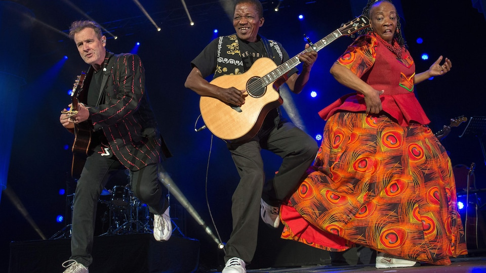 Johnny Clegg, Sipho Mchunu et Mandisa Dlanga le 30 juin 2017 au Cap