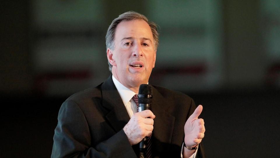 Le candidat du PRI José Antonio Meade