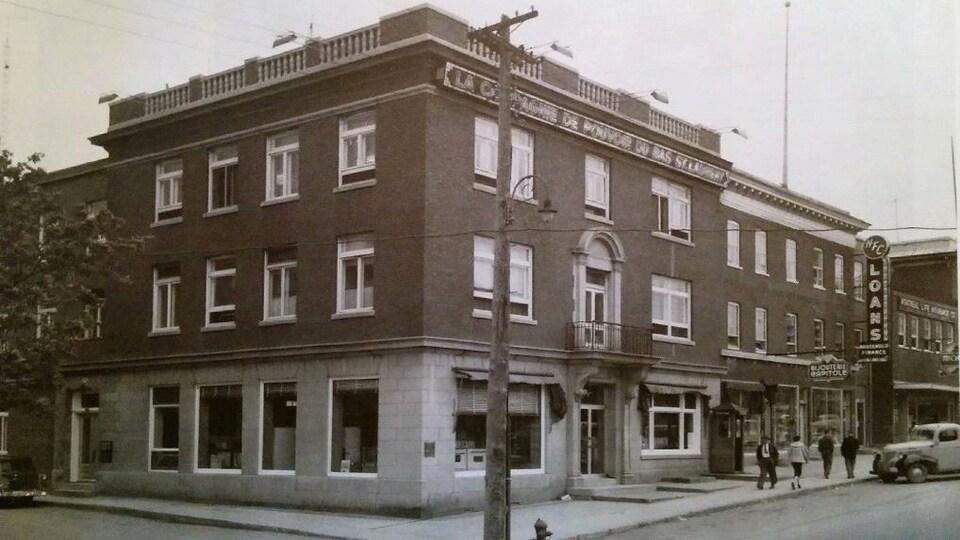 Un bâtiment dans les années 50.