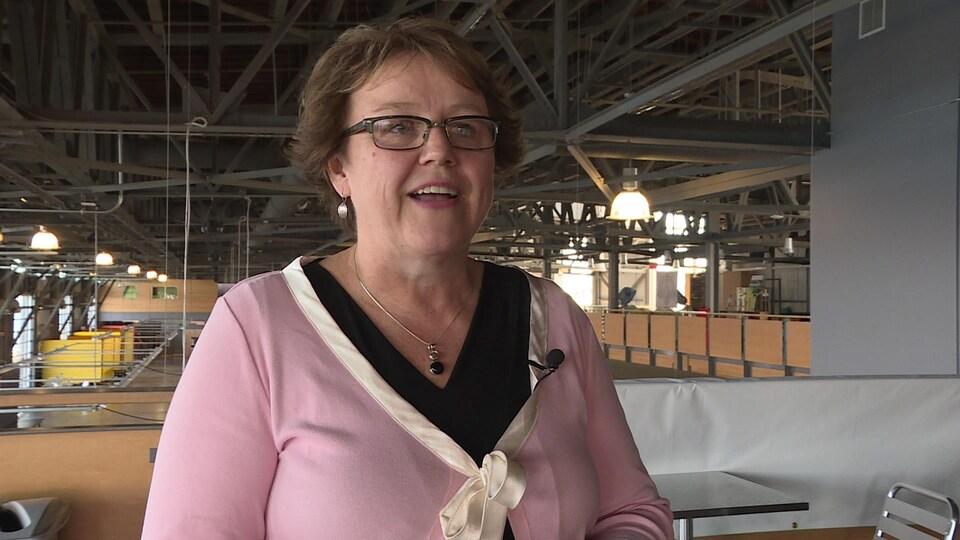 Julie Chaisson au marché des fermiers d'Halifax.