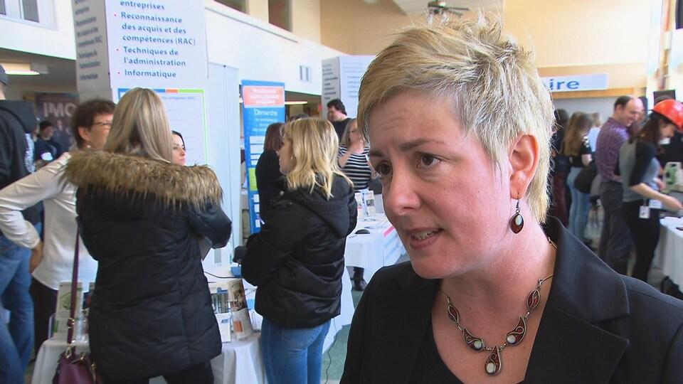 Julie Gasse en entrevue avec Laurence Gallant.