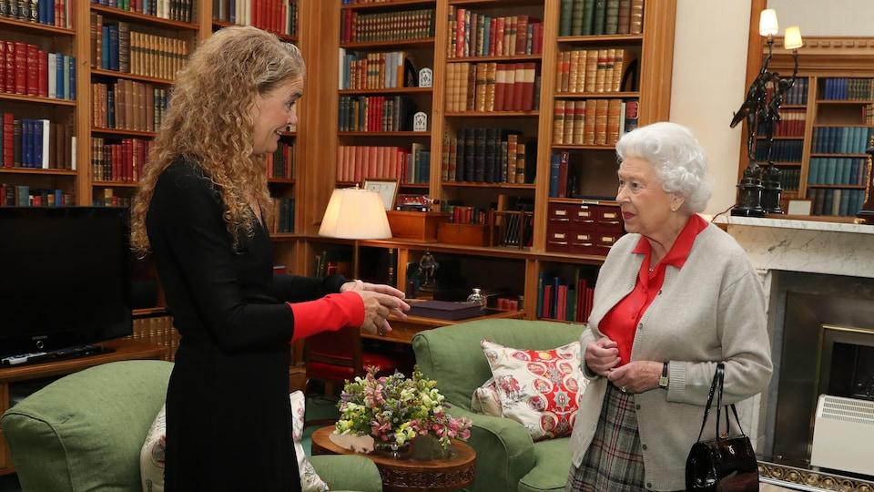 Julie Payette et Élisabeth II