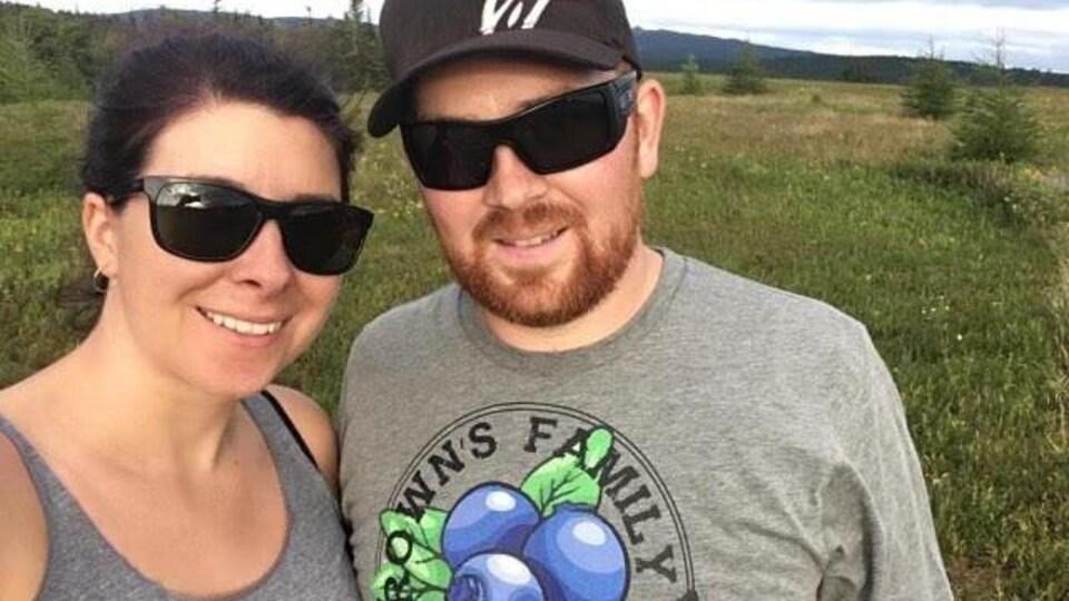 Nancy White et Justin Brown, copropriétaires de la ferme familiale Brown.