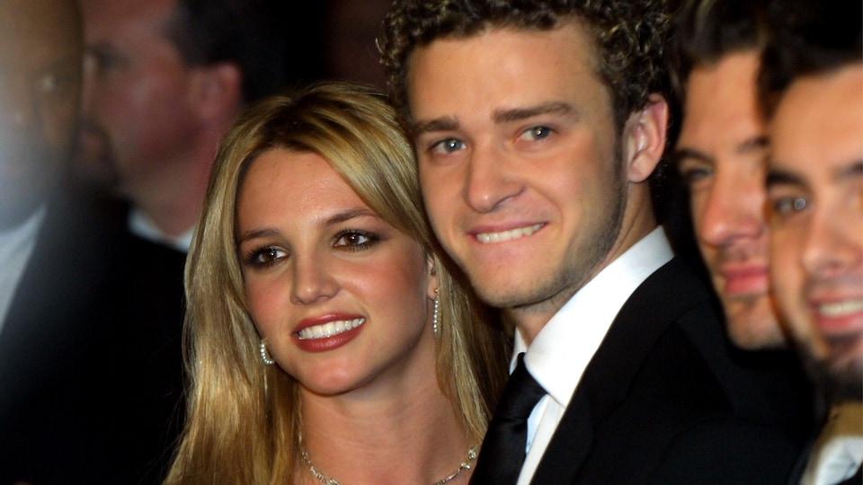 Justin Timberlake et Britney Spears, lors d'un événement précédant le gala des Grammys en 2002.