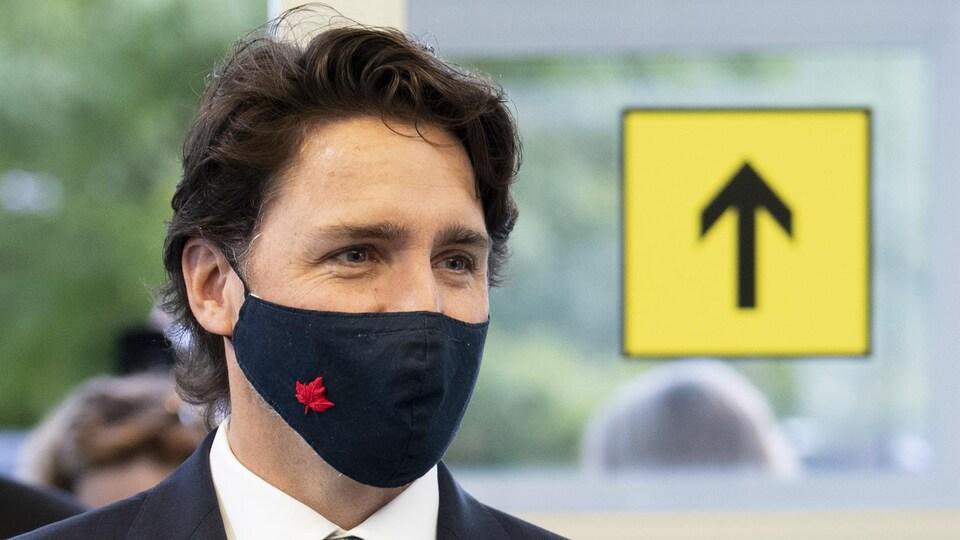 Justin Trudeau porte le masque.