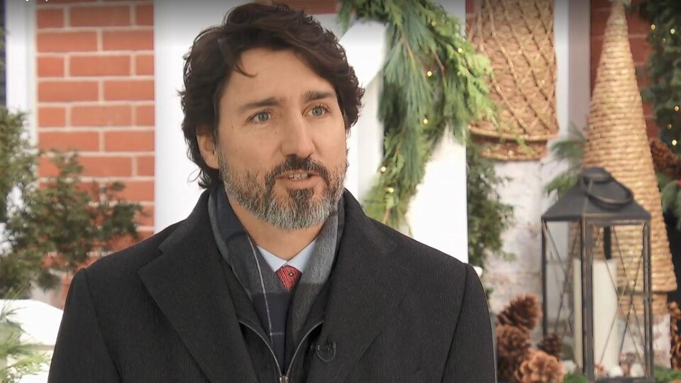 Justin Trudeau sur son perron.