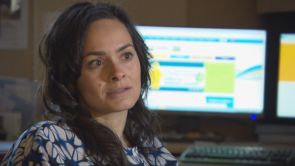 Karelle Guitard, coordonnatrice du programme d'abandon du tabac du réseau de santé Vitalité et petite fille d'Yvette Austin.