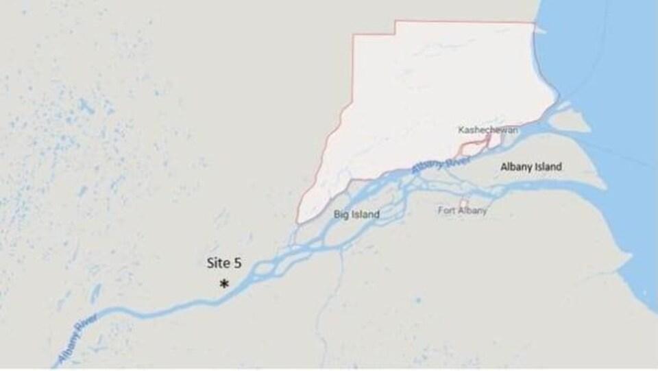 Photo d'une carte montrant Kashechewan et le site 5
