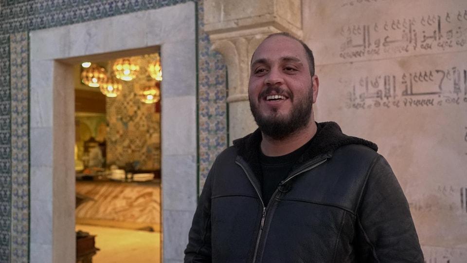 Imed Ben Khoud, activiste social et producteur musical à Kairouan.