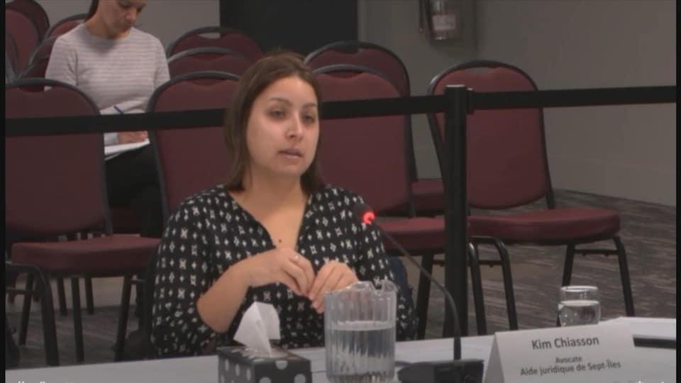 Kim Chiasson pendant son témoignage à la commission Laurent.