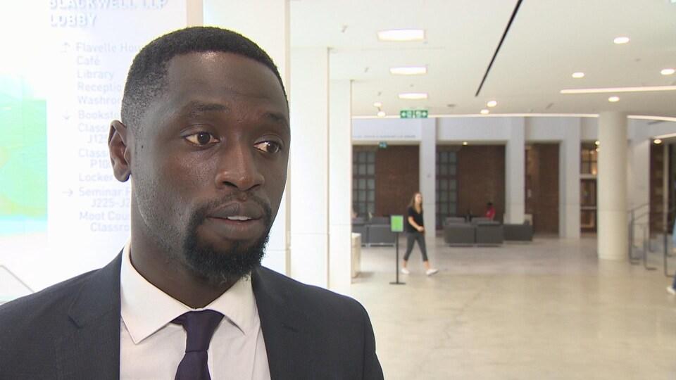 L'avocat Kofi Achampong du groupe Black Muslim Initiative.