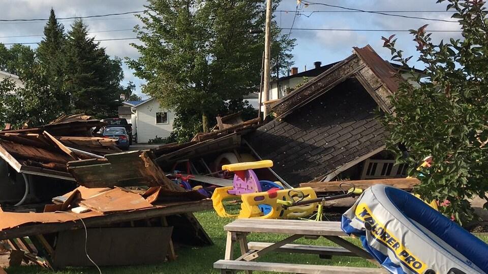 Dommages matériels dans un secteur résidentiel de Lachute