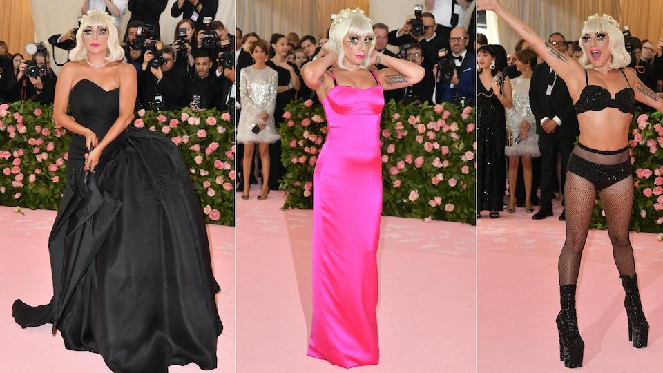 La chanteuse est habillée de trois robes différentes noires et roses.